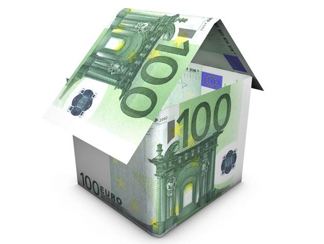 Haus aus Euro-Scheinen