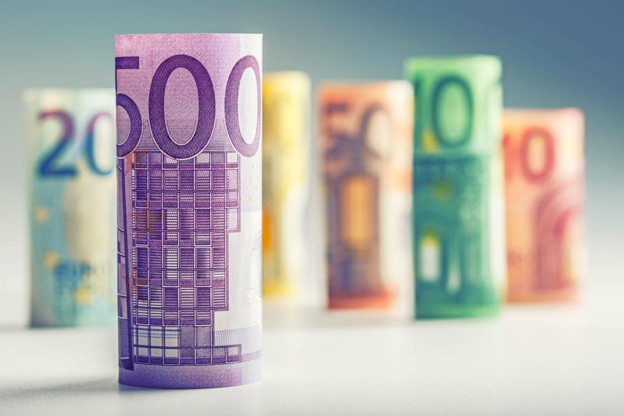 gerollte Euroscheine